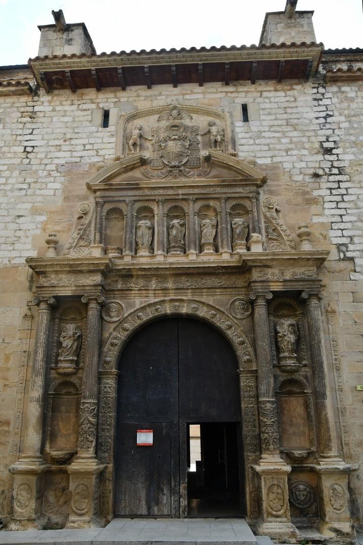 Portalada de l'església de Sant Domènec de Tortosa