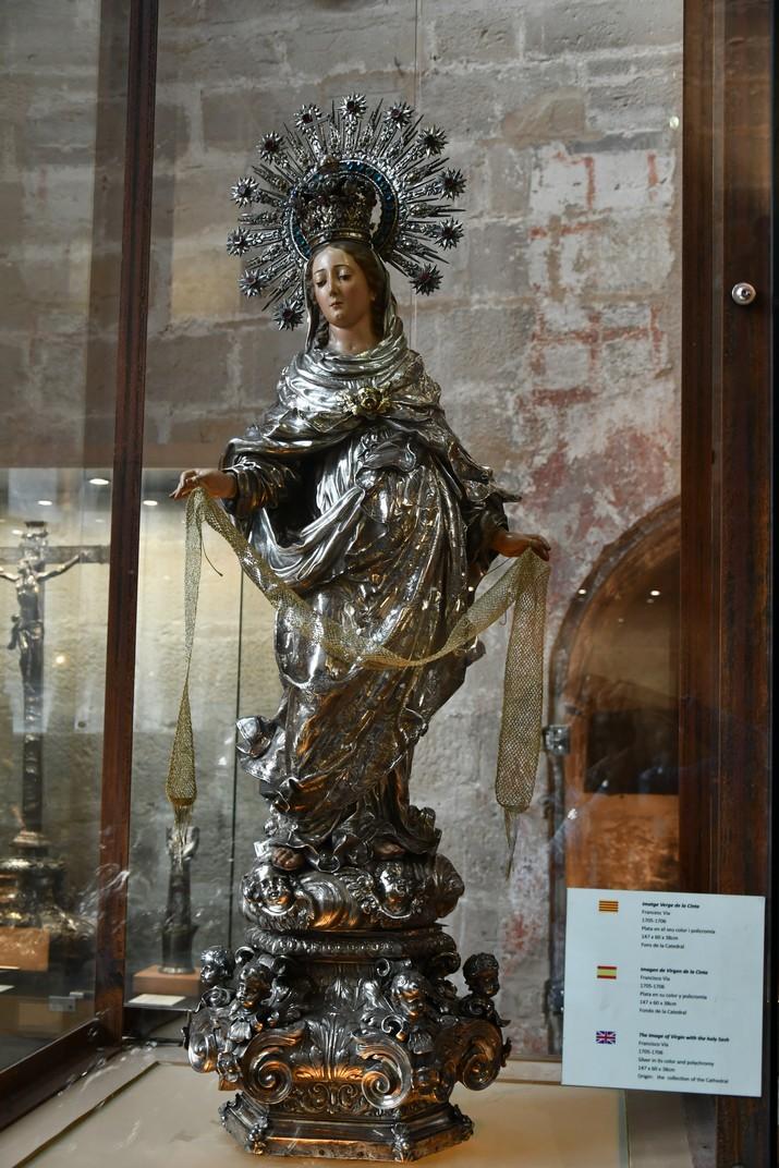 Verge de la Cinta de l'exposició permanent de la Catedral de Santa Maria de Tortosa
