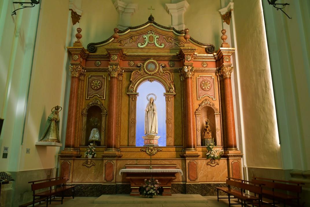 Capella de la Mare de Déu del Roser de l'església de Sant Antolí Màrtir d'Aitona