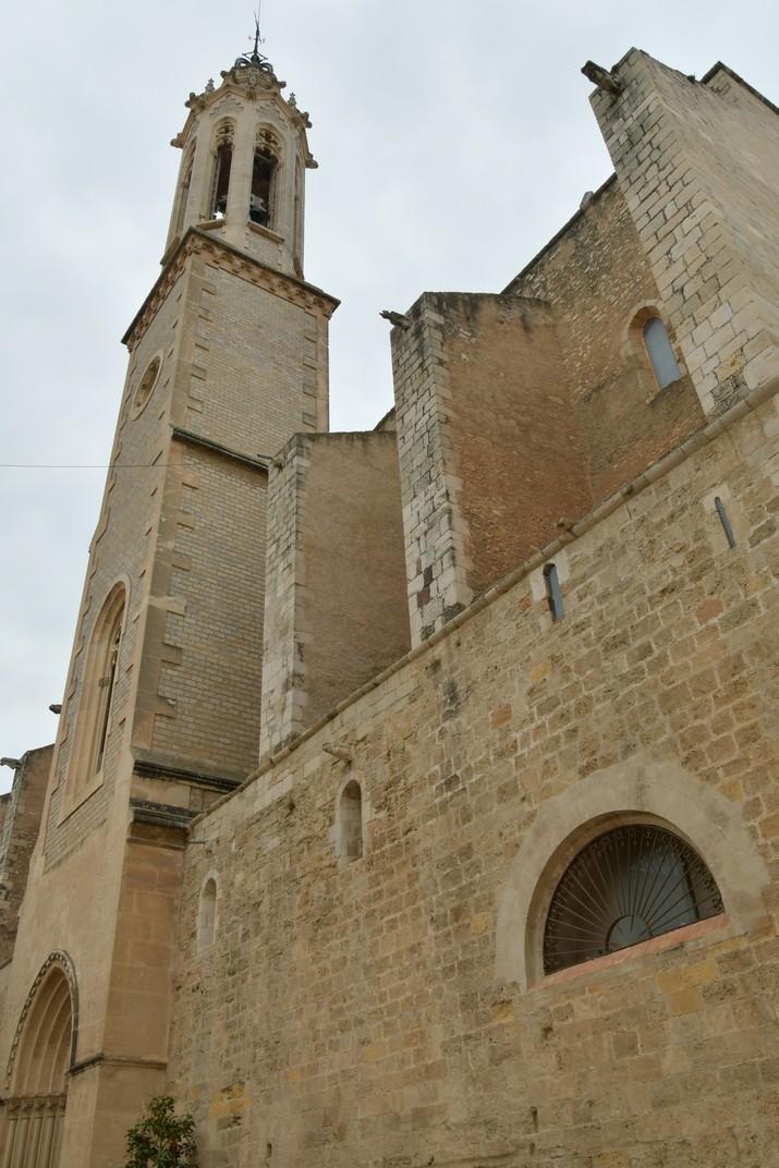 Façana lateral de l'església de Sant Joan Baptista de Valls