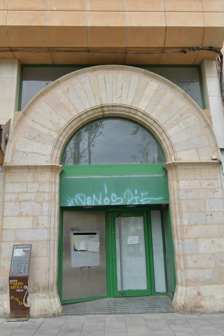 Pòrtic de la plaça del Pati de Valls