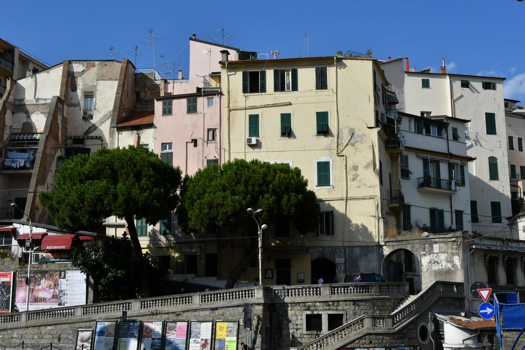 Accés desde la plaça del Mercat a la Pigna de Sanremo