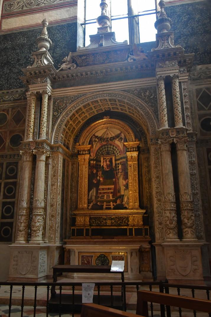 Altar Centrego de la Basílica de Santa Anastàsia de Verona