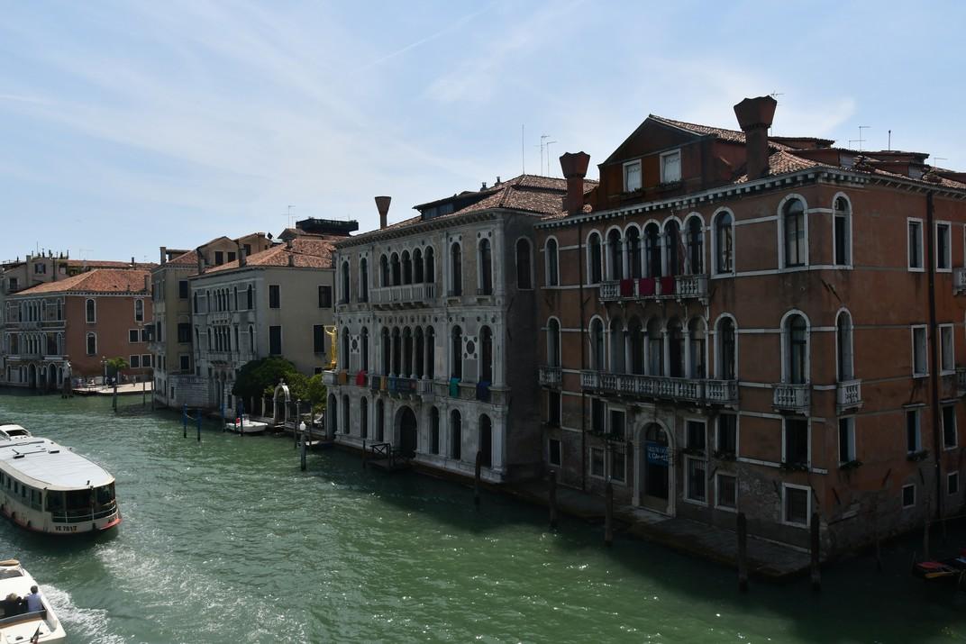 Barri Dorsoduro des del pont de l'Acadèmia de Venècia