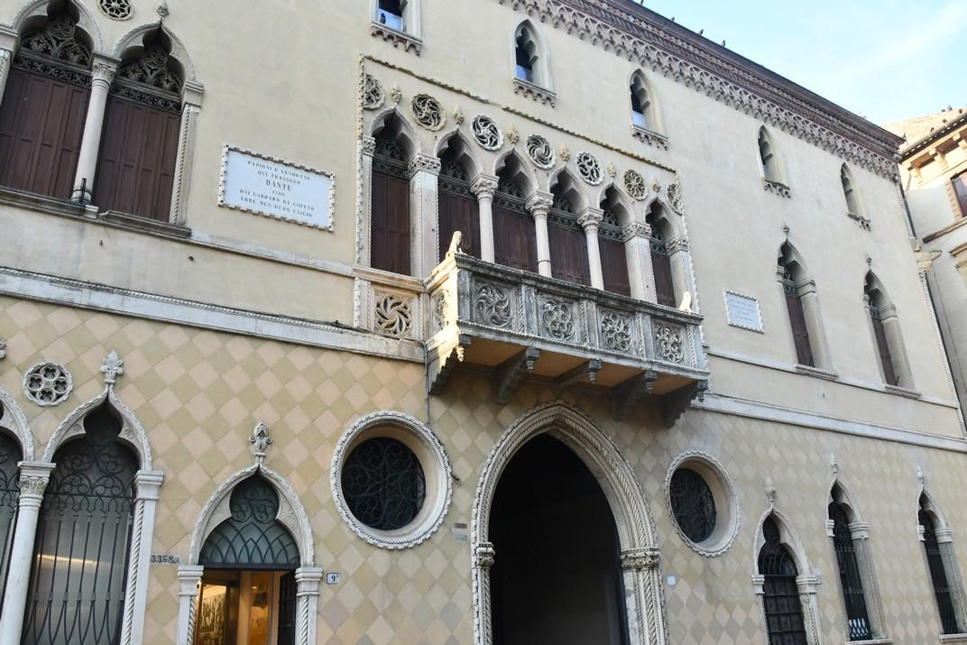 Casa de Dante - Palau Romanic Jacur de Pàdua