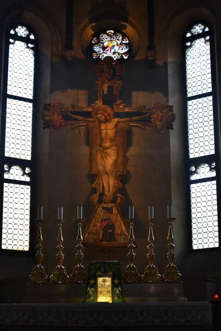 Crucifix de la capella major de l'església dels Eremites de Pàdua