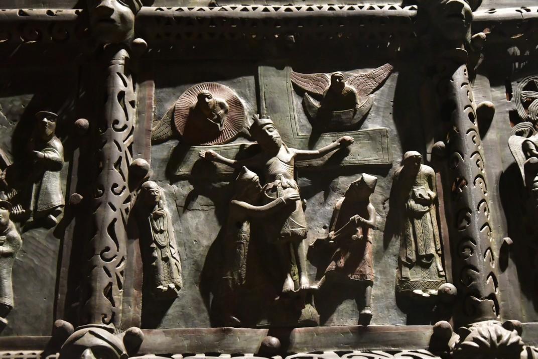 Detall de la porta de bronze de la Basílica de Sant Zenó de Verona