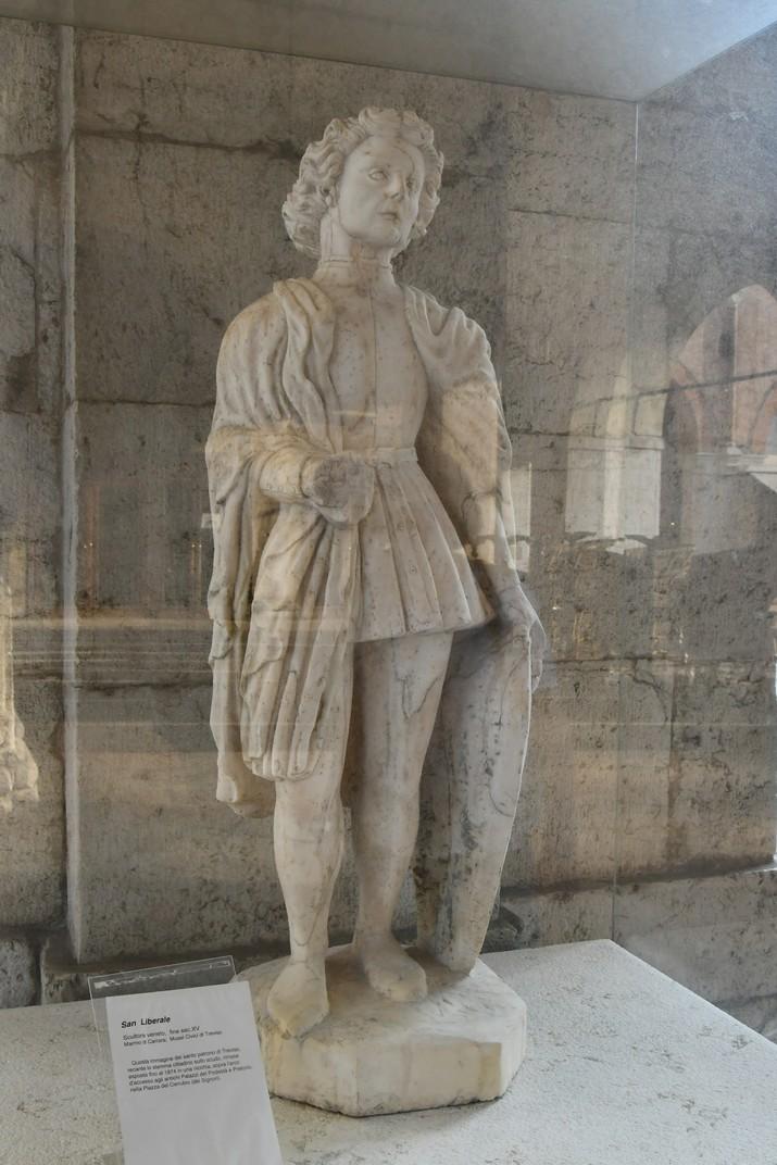 Escultura de sant Liberal de la loggia del palau dels Tres-cents de Treviso