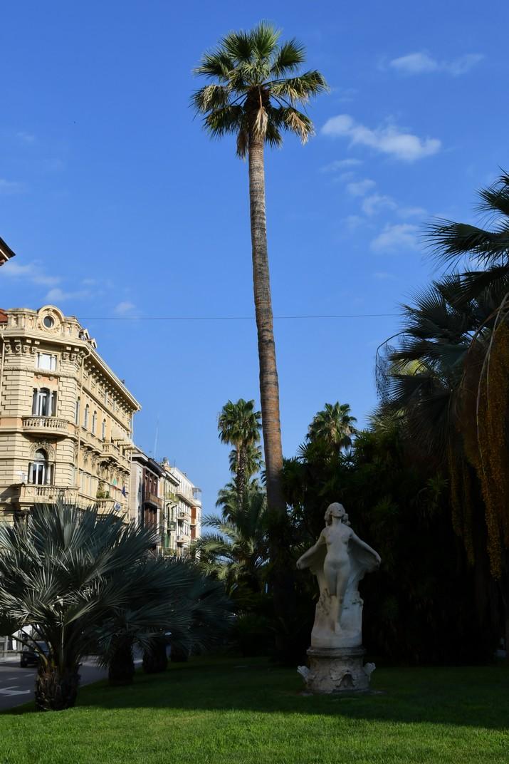 """Estàtua """"Ondina"""" del Corso Augusto Mombello de Sanremo"""