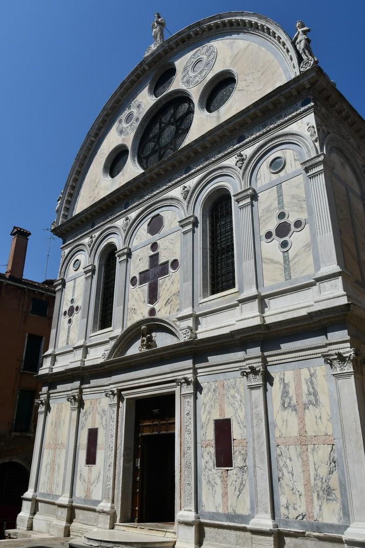 Façana de l'església de Santa Maria dels Miracles de Venècia