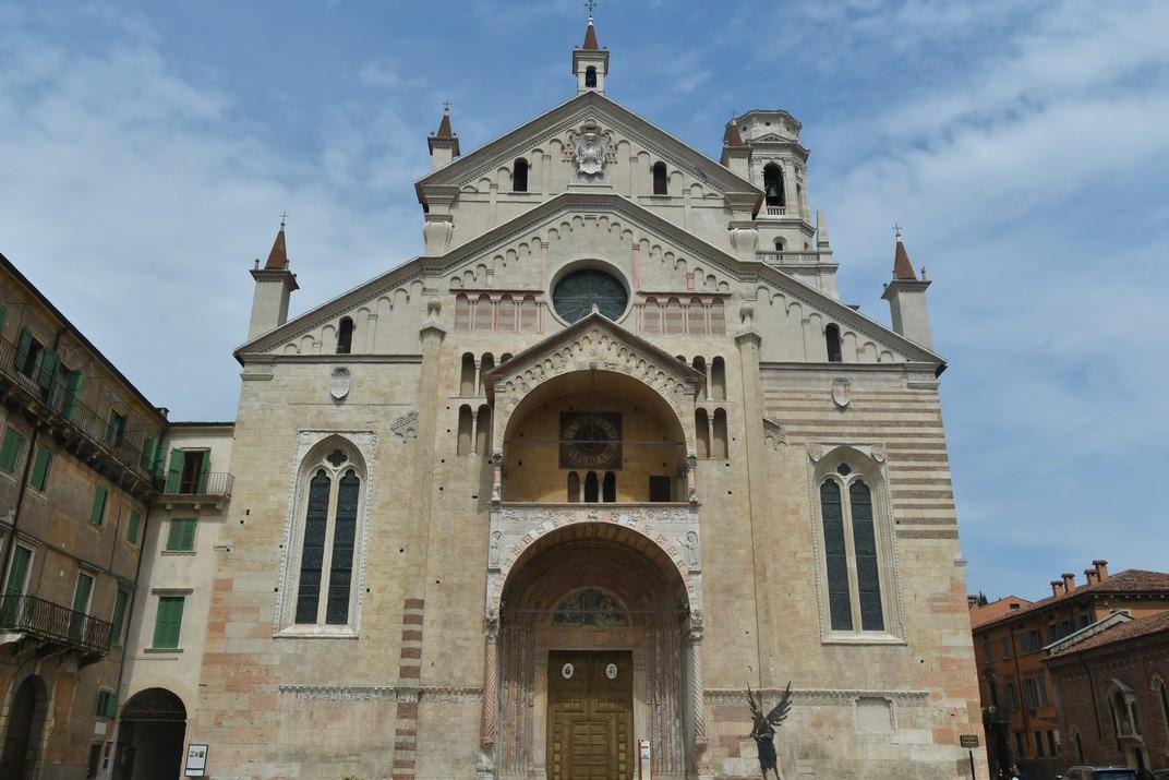 Façana oest de la Catedral de Santa Maria Assumpta de Verona