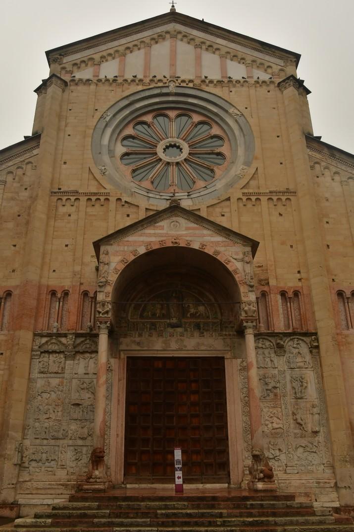 Façana principal de la Basílica de Sant Zenó de Verona