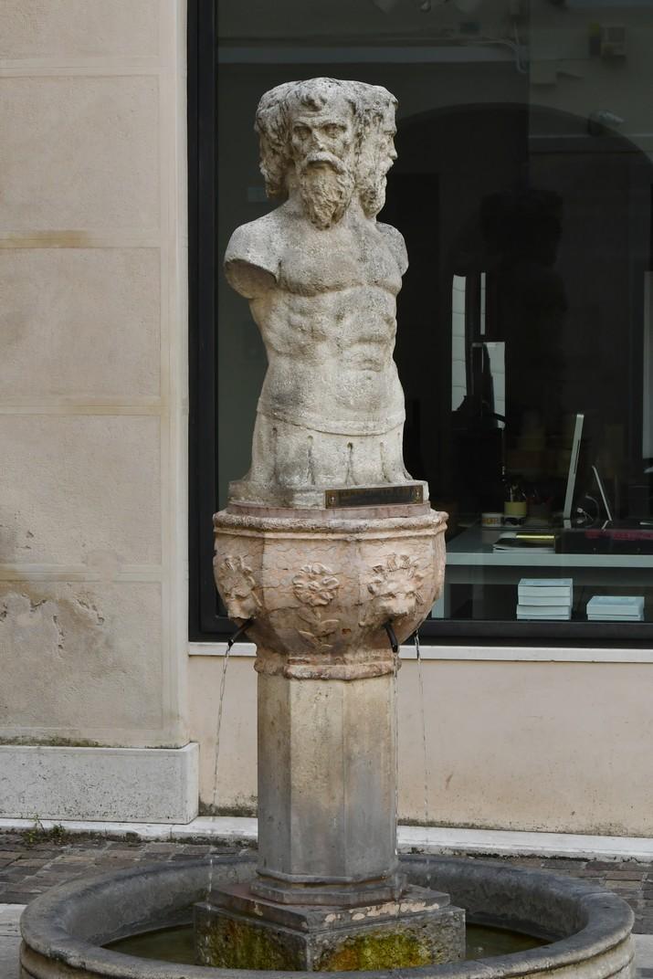 Font de les Tres Cares de Treviso