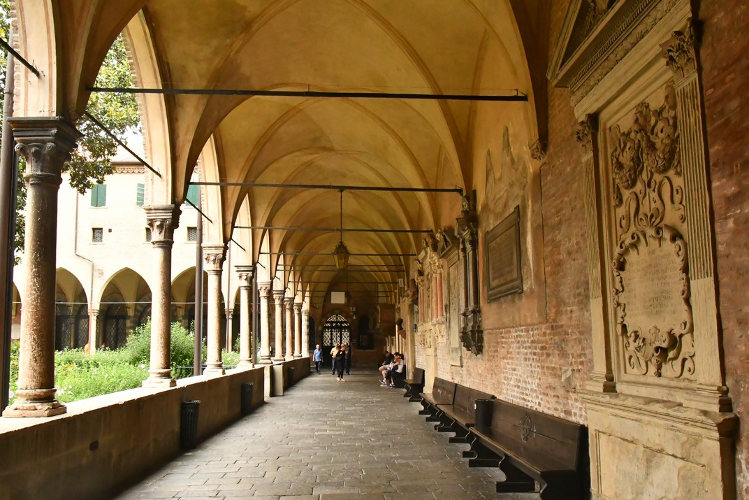 Galeria del claustre de Capítol de la Basílica de Sant Antoni de Pàdua