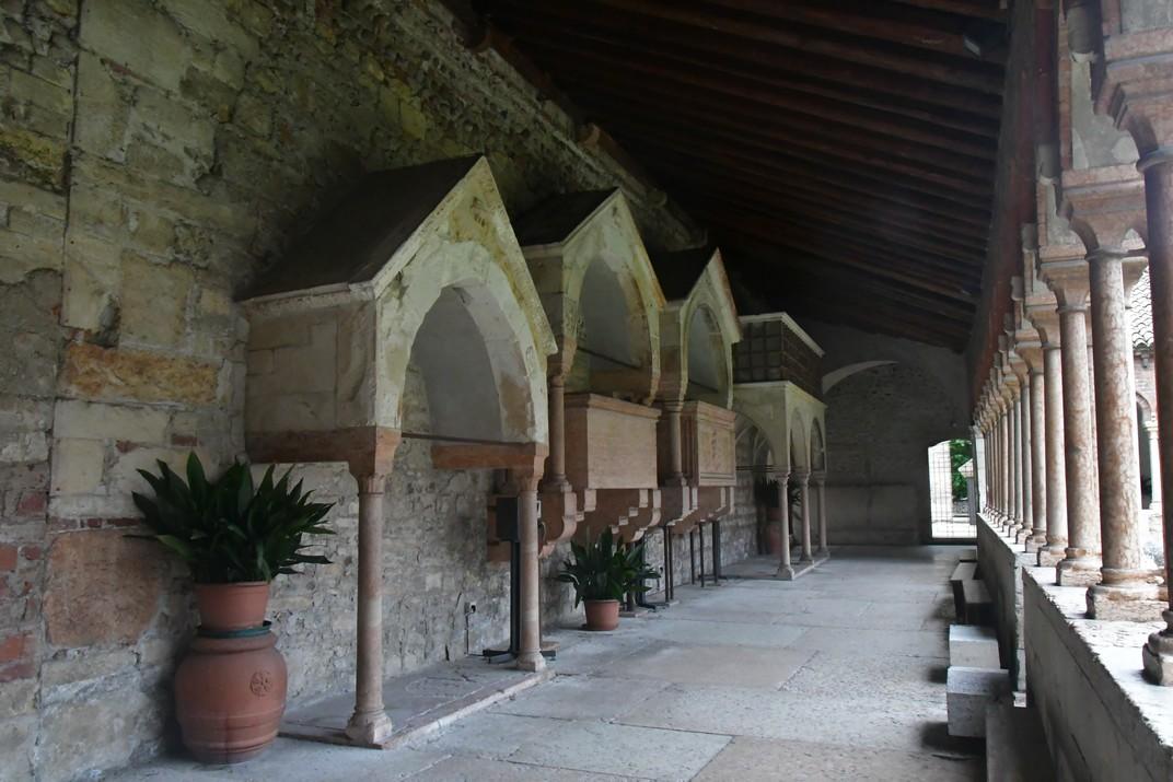 Galeria del claustre de la Basílica de Sant Zenó de Verona