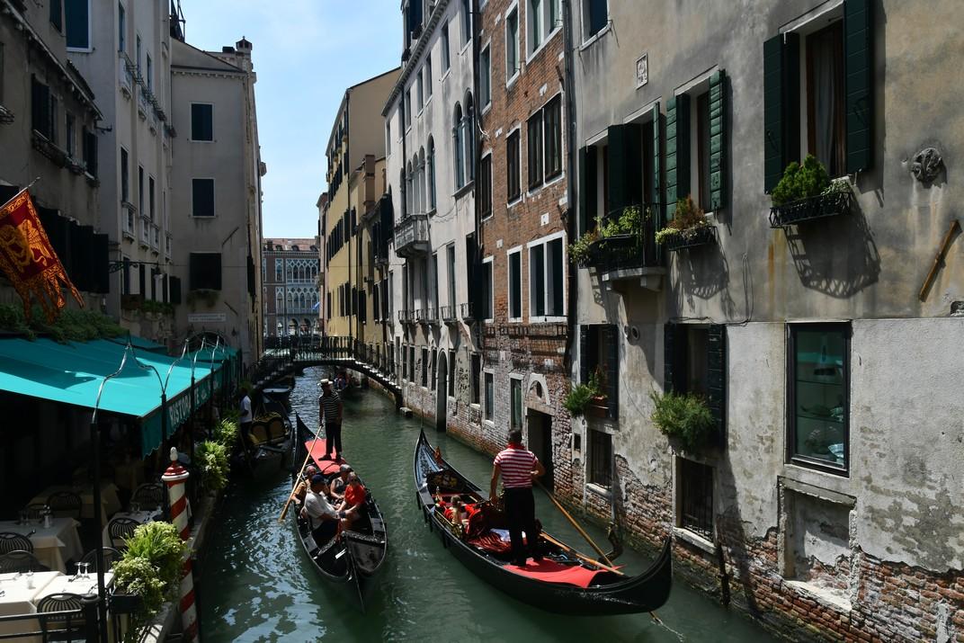 Góndoles del riu de l'Alboro del barri de San Marco de Venècia