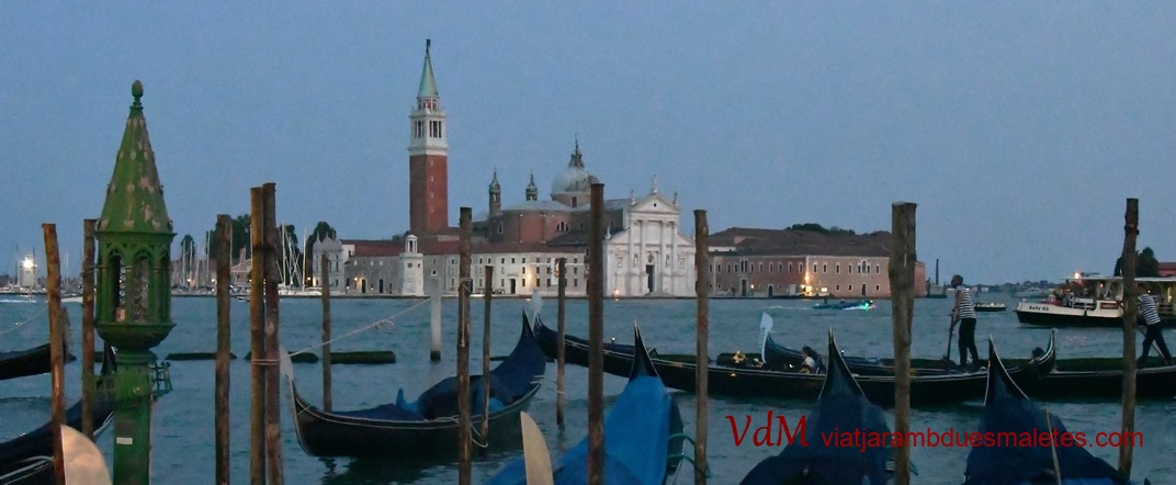 Góndoles i l'illa de San Giorgio Maggiore de Venècia