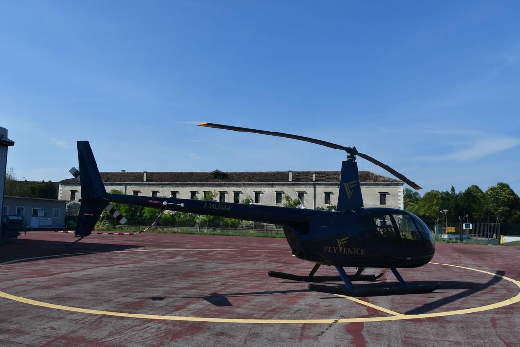 Helicòpter de l'aeroport Nicelli del Lido de Venècia