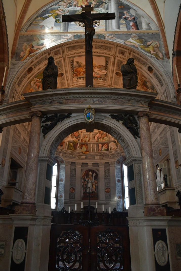 Hemicicle de la Catedral de Santa Maria Assumpta de Verona