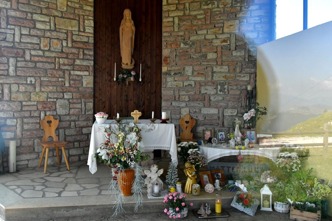 Interior capella del Mont Baldo de Malcesine de Garda