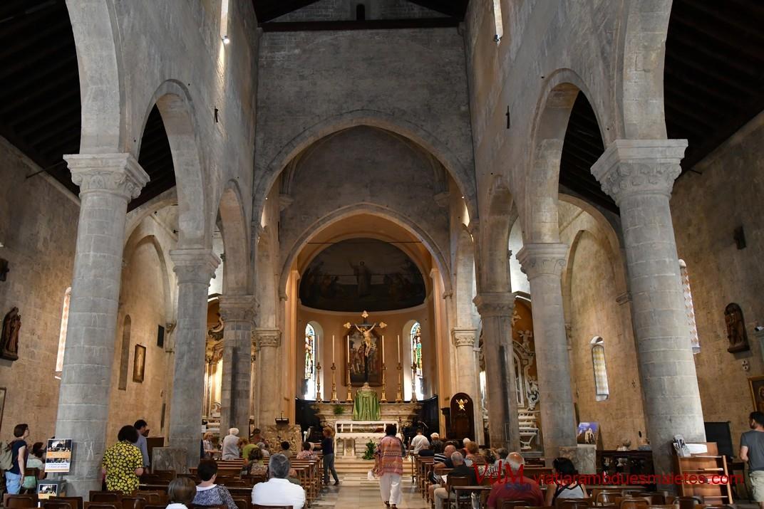 Interior de la Catedral de Sant Siro de Sanremo