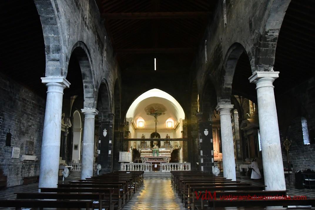 Interior de l'església de Sant Llorenç de Portovenere - Riomaggiore