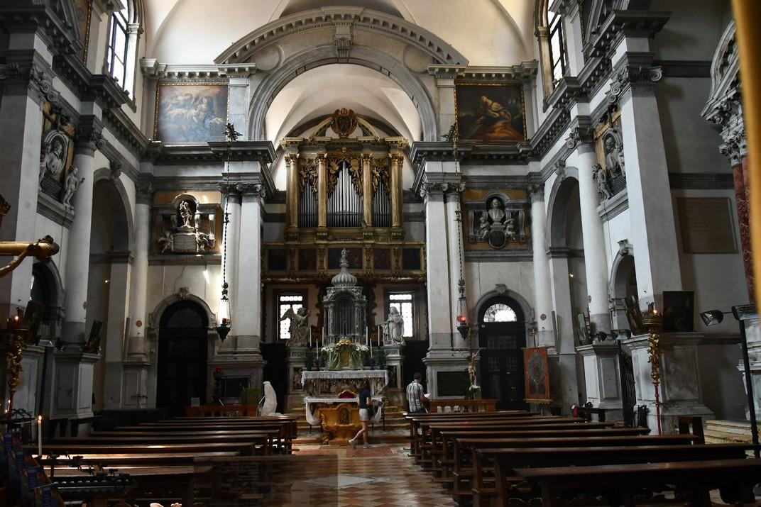 Interior de l'església de Santa Maria del Lliri de Venècia