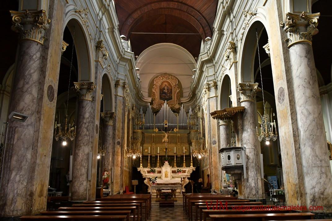 Interior de l'església de Santa Maria dels Àngels de Sanremo