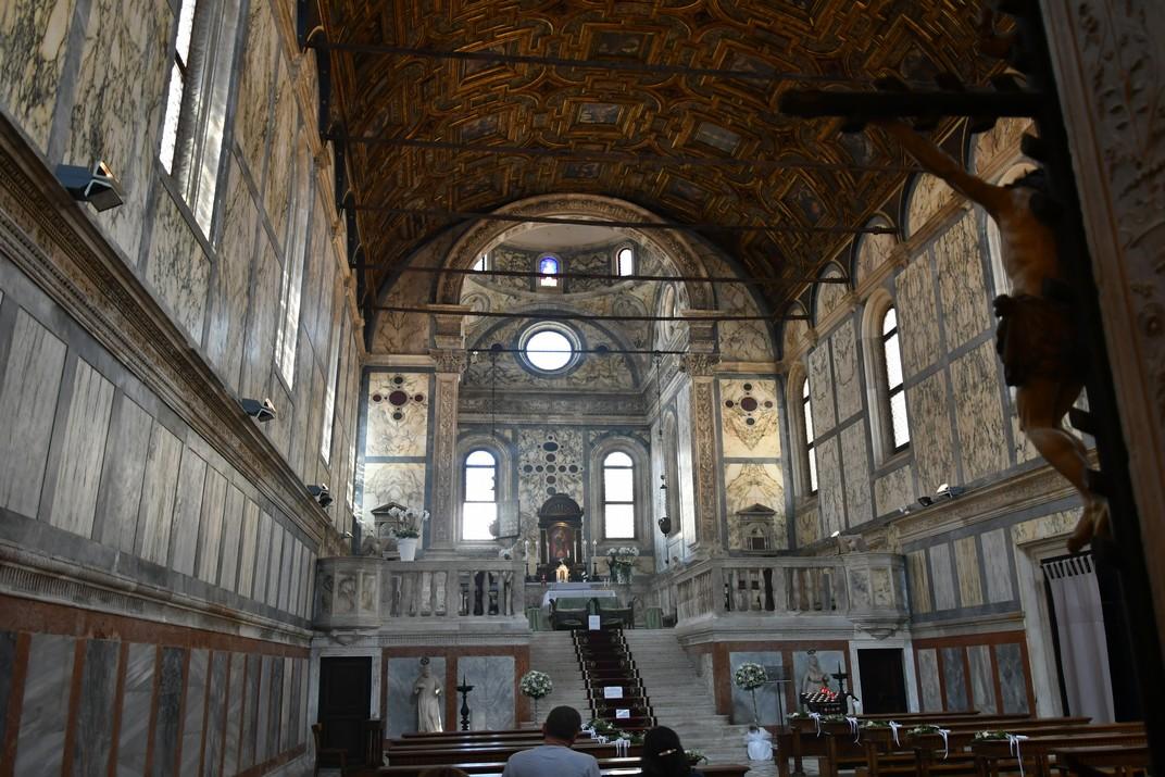 Interior de l'església de Santa Maria dels Miracles de Venècia
