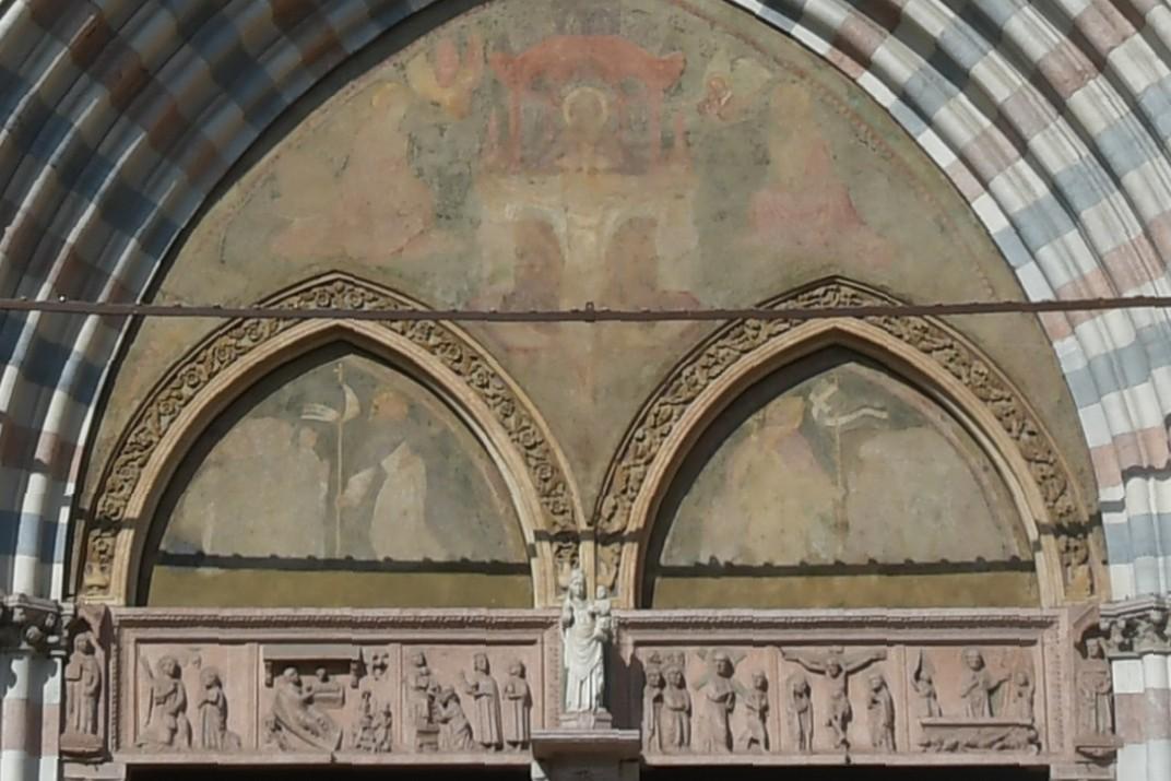 Lluneta del pòrtic de la Basílica de Santa Anastàsia de Verona