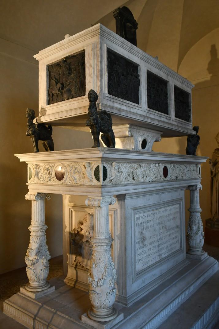 Mausoleu della Torre de l'església superior de Sant Fermo de Verona