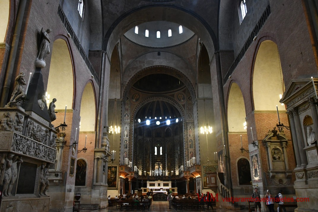 Nau central de la Basílica de Sant Antoni de Pàdua