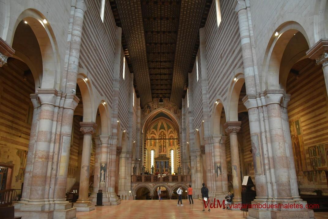 Nau central de la Basílica de Sant Zenó de Verona