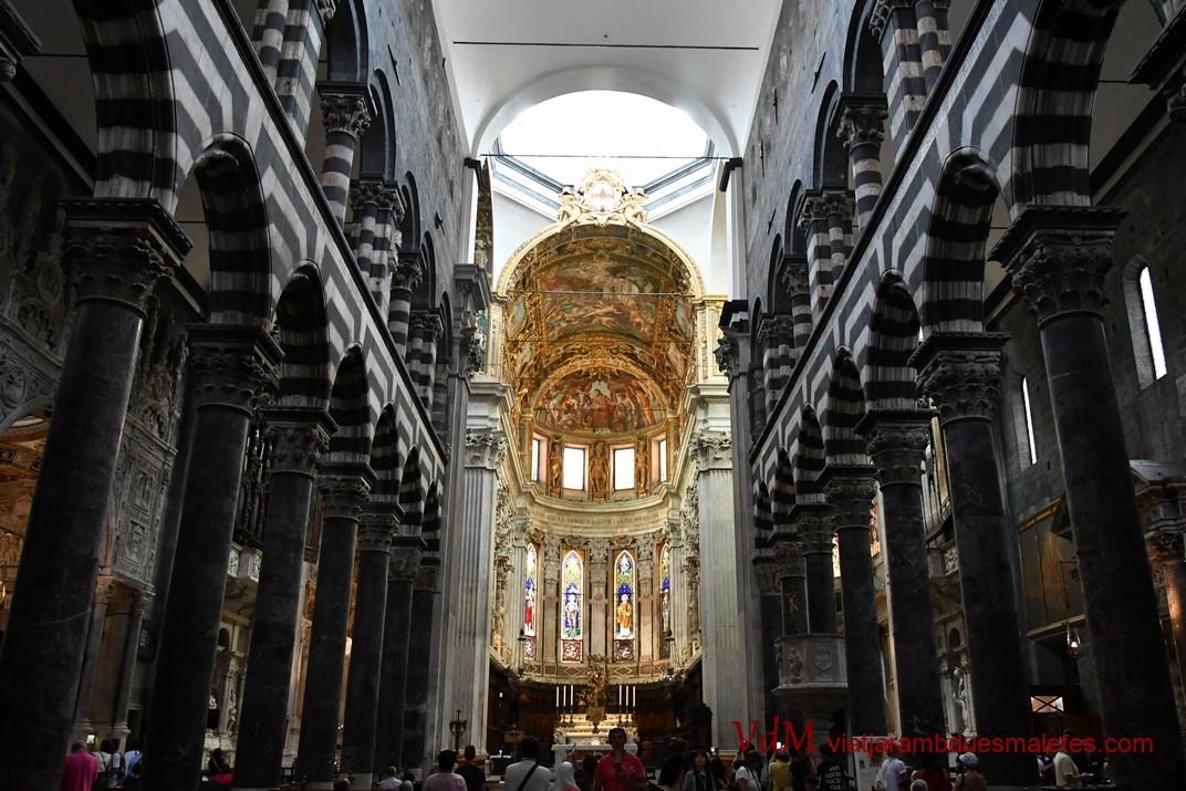Nau central de la Catedral de Sant Llorenç de Gènova