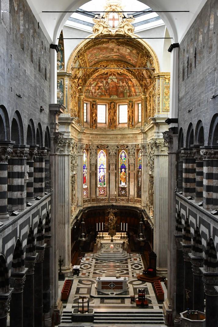 Nau central des de la tribuna del dux de la Catedral de Sant Llorenç de Gènova