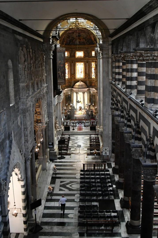 Nau lateral esquerra de la Catedral de Sant Llorenç de Gènova
