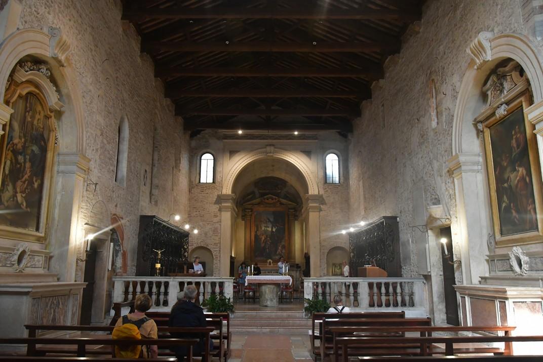 Nau única de l'església de Santa Elena del conjunt catedralici de la Catedral de Verona