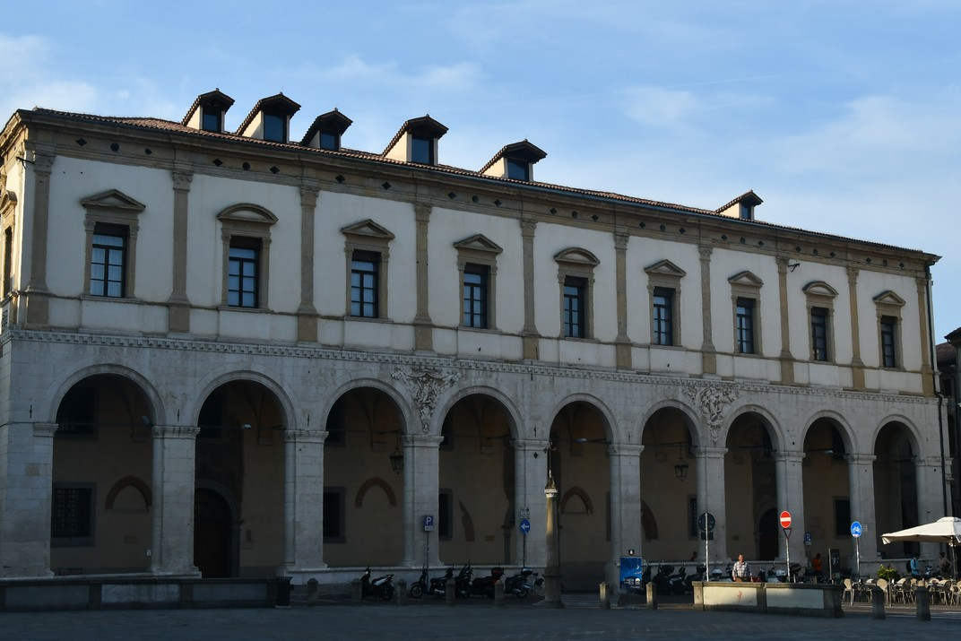 Palau del Mont de Pietat de la plaça del Duomo de Pàdua