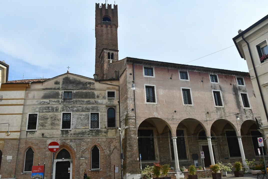 Palau del Mont de Pietat - Església de Santa Llúcia - Església de Sant Vit de Treviso