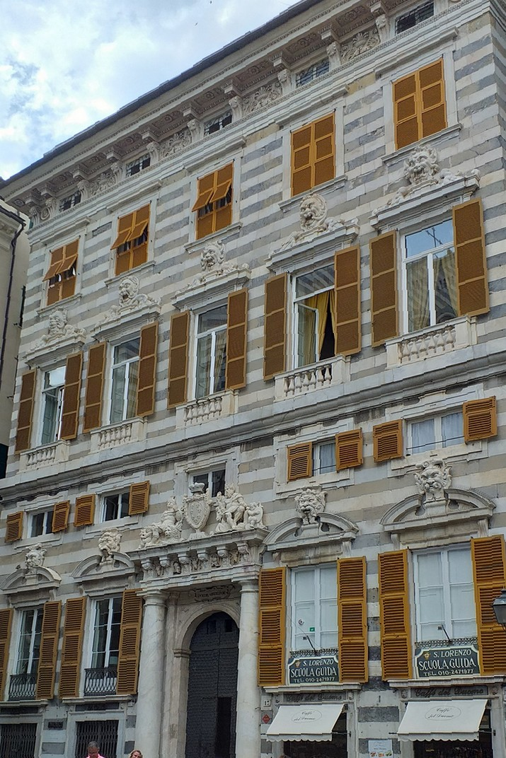Palau Sinibaldo Fieschi de la plaça de la Catedral de Sant Llorenç de Gènova
