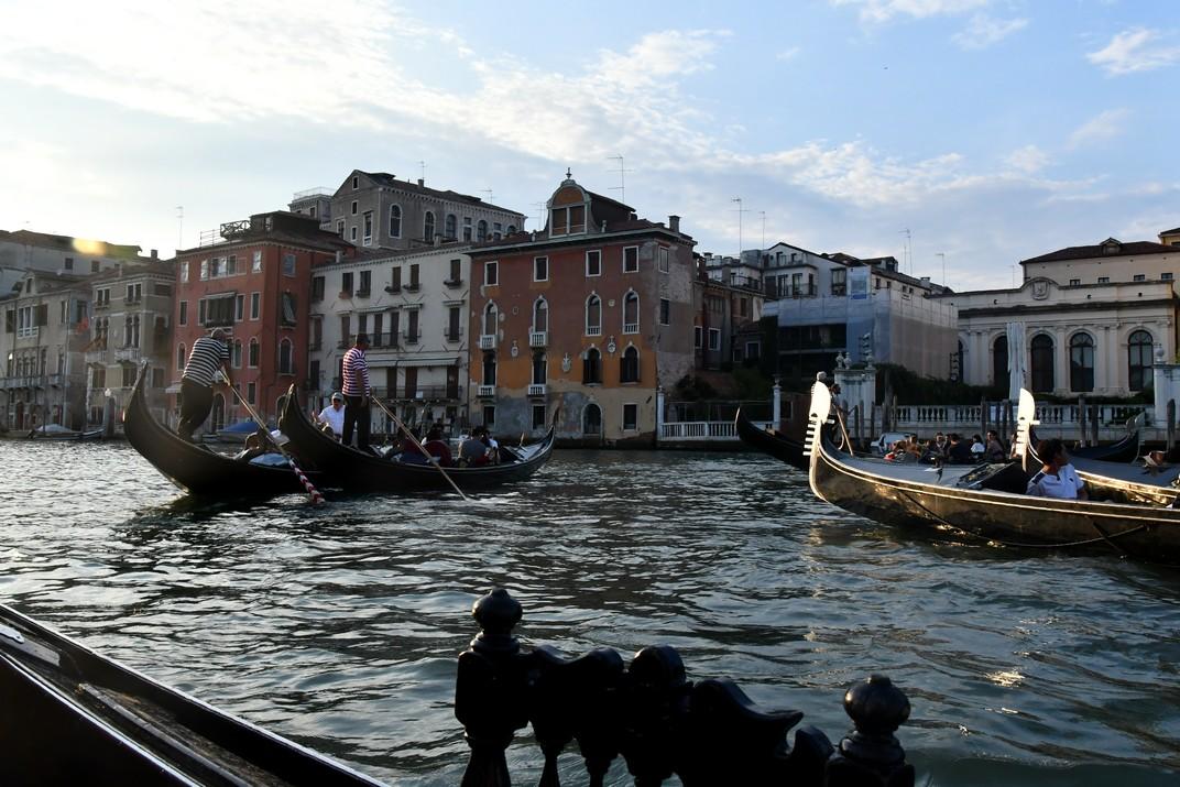 Passeig en góndola pel Gran Canal de Venècia