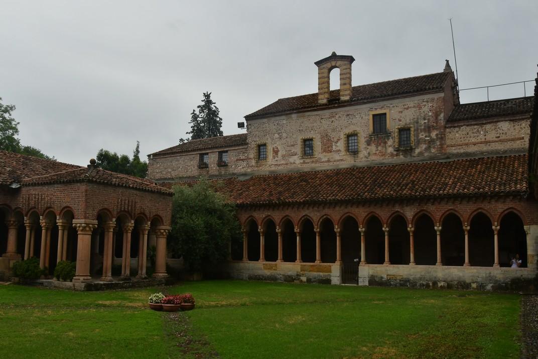 Pati i pavelló del claustre de la Basílica de Sant Zenó de Verona