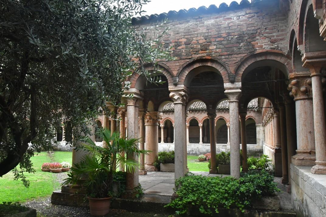 Pavelló del claustre de la Basílica de Sant Zenó de Verona