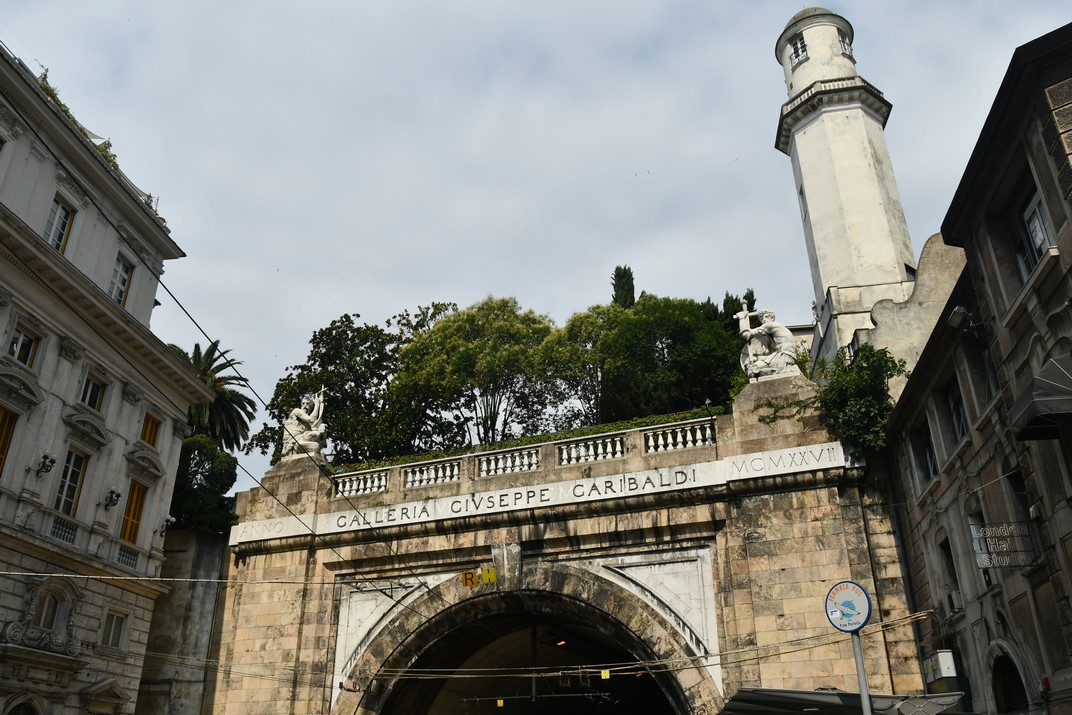 Plaça del Portello de Gènova
