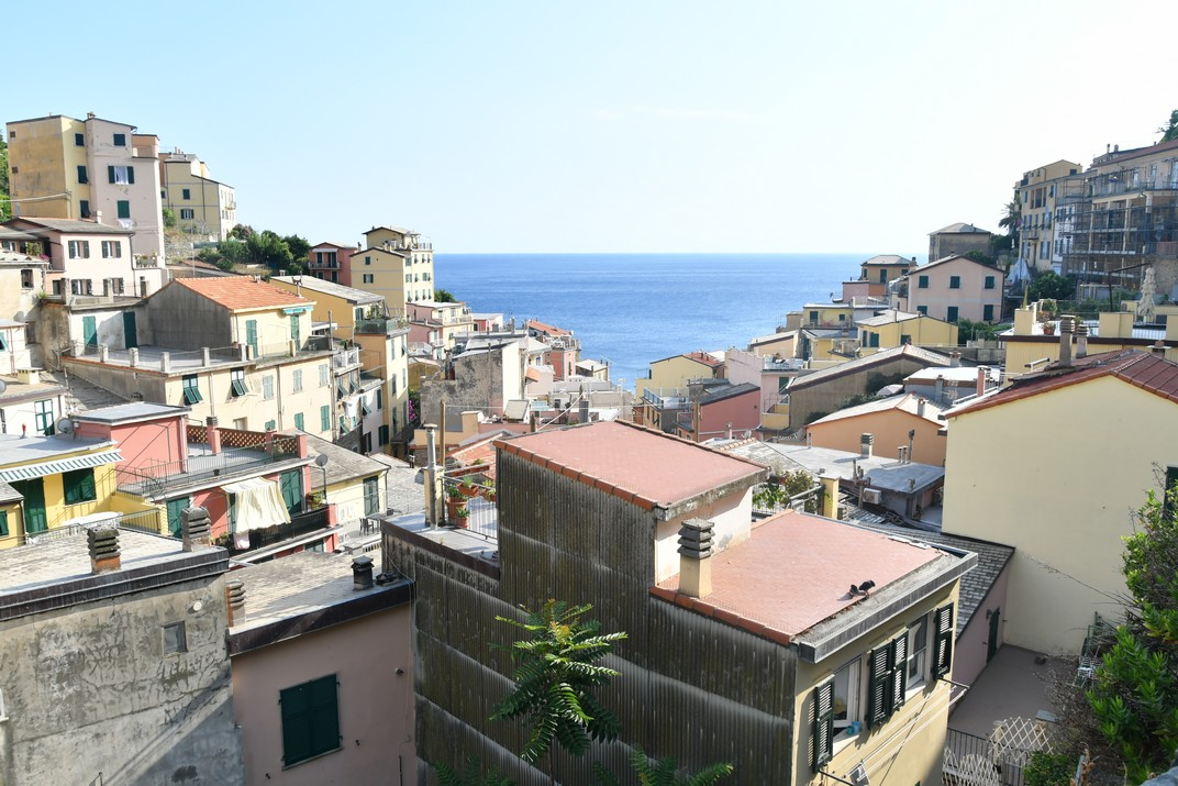 Poble des de l'església de Sant Joan Baptista de Riomaggiore