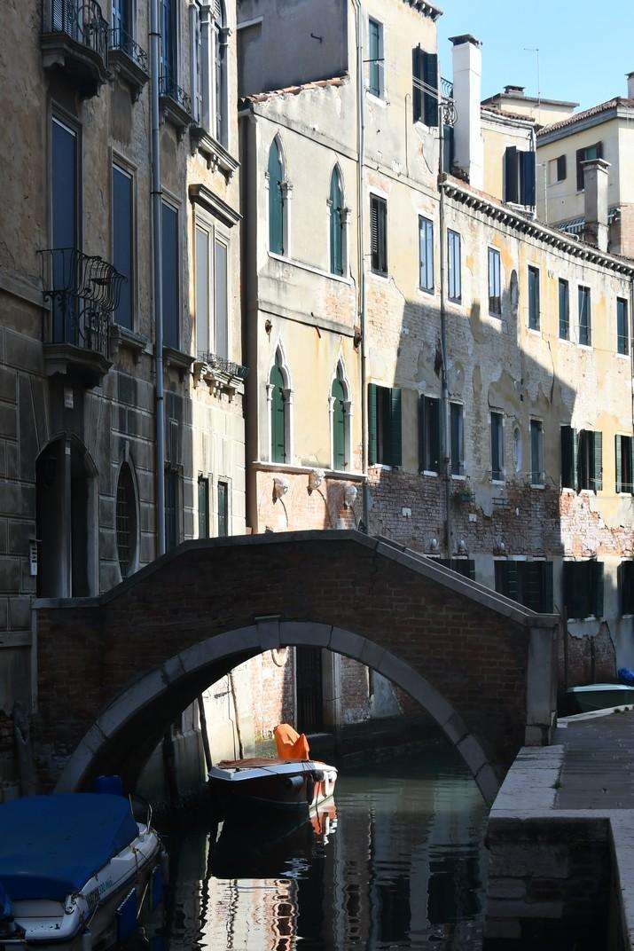 Pont privat del barri Santa Croce de Venècia