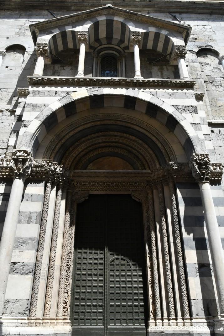 Portal de Sant Gotard de la Catedral de Sant Llorenç de Gènova