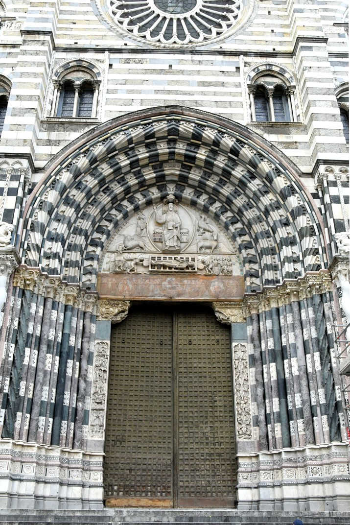 Pòrtic central de la Catedral de Sant Llorenç de Gènova
