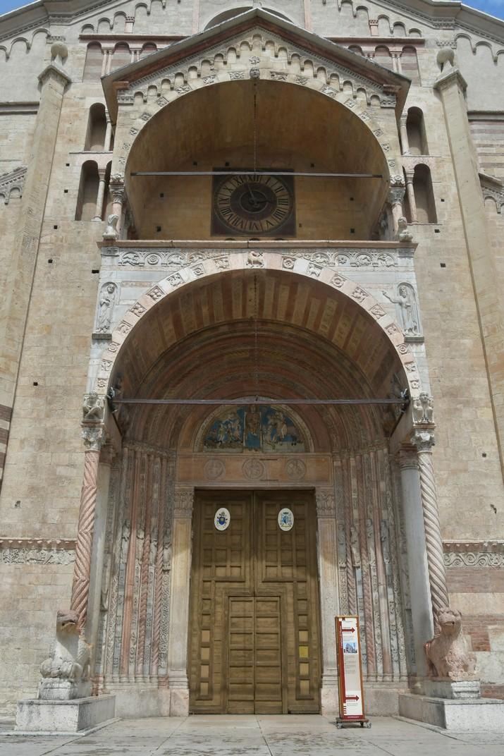 Pòrtic de l'atri major de la Catedral de Santa Maria Assumpta de Verona