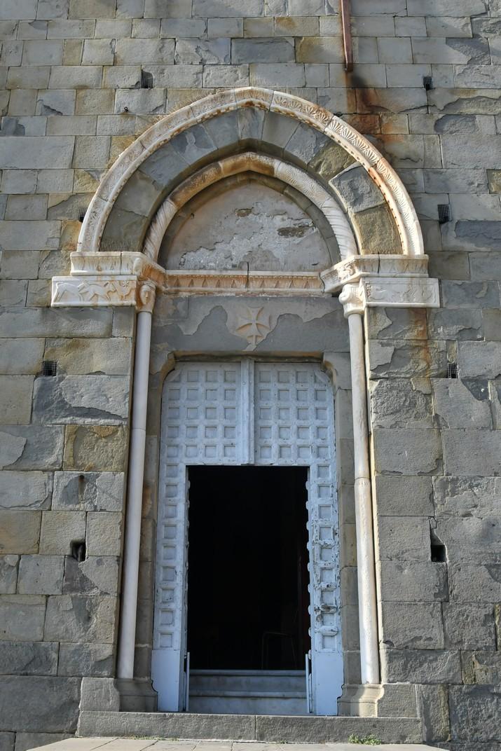 Pòrtic de l'església de Sant Joan Baptista de Riomaggiore